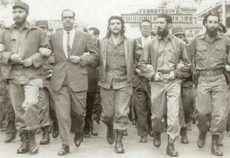 피델-카스트로_혁명성공-행진