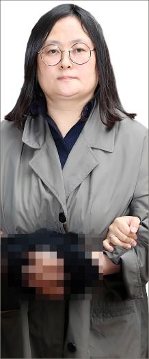 ▲ 해외도피 3년 만에 범죄인인도 절차에 따라 강제송환된 유병언 전 세모그룹 회장(사망)의 장녀 유섬나(51)씨.