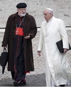 ▲  교황과 오말리 추기경(왼편)