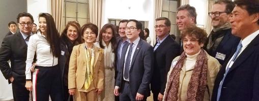 ▲앤디 김 의원(중앙)이 참석자들과 기념촬영을 하고있다.