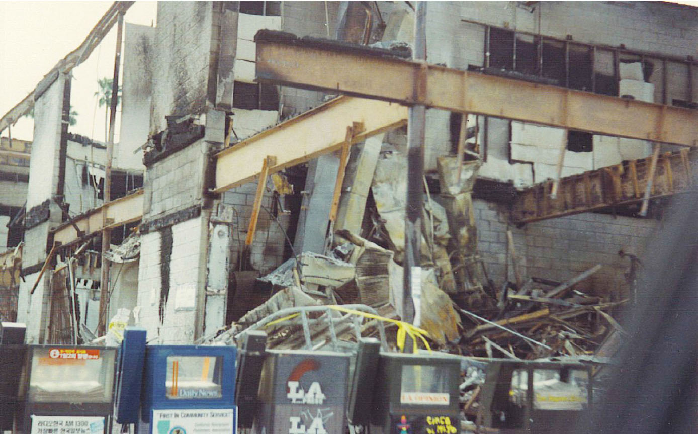 ▲ LA폭동으로 잿더미가 된 코리아타운 상점들
