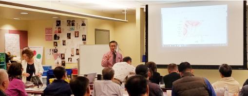 ▲   USC노리스 암센터 안상훈 박사(중앙)가 전립선 암 세미나를 개최하고 있다.