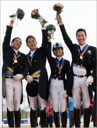 ▲ (왼쪽부터)김균섭, 황영식, 정유연, 김동선