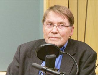 ▲ 스톨셋 전 노벨위원회 부위원장이 NRK 방송에 나왔다.