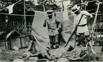 ▲ 1923년 관동대지진 때 일본 자경단의 조선인 학살장면.