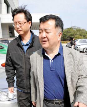 ▲ 2009년 당시 대검 중수부장이었던 이인규 변호사(오른쪽). 왼쪽은 당시 우병우 수사1과장.