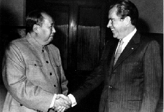 ▲ 1972년 닉슨이 중국 마오쩌둥을 만나 세계를 놀라게 했다.