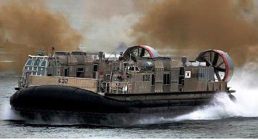 ▲ 지난 2007년 진수된 해군고속상륙정 2척중 2번함 솔개 632호
