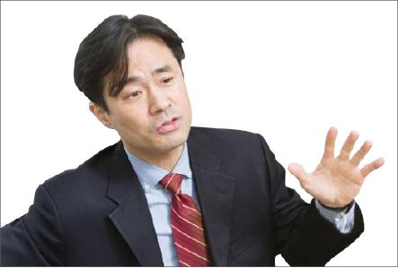 ▲손석희 앵커와 진실공방을  벌이는 김웅 프리랜서 기자