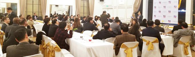 ▲앤디 김 의원 환영회에 한미인사 250여명이 참석해 김의원 기조 연설을 듣고 있다.