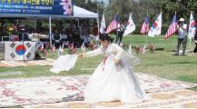 ▲ 노정애씨와 선열들을 위한 춤을 공연하고 있다.