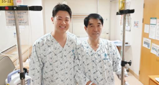 ▲남문기 회장(오른편)이 수술에 들어가기 전 사위 서지오 성씨와 나란히 함께 했다.
