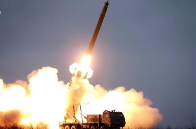 ▲ 북한은 최근 강력한 방사포 시험을 실시했다.