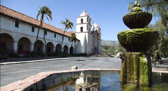 ▲  산타바바라 미션은 유명 관광지이기도 하다.