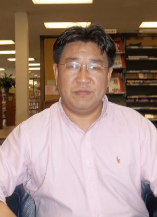 ▲  편집인이며  대기자로 활동 중인 뉴욕거주 안치용씨가 제1회 '이용마 언론상' 수상자로 선정됐다.
