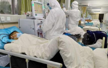▲ 중국 의료진들이 우한 폐렴 환자를 돌보고 있다.
