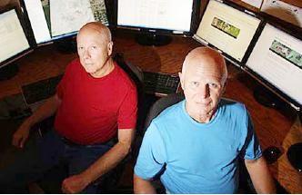 ▲ KWP를 운영하는 할 바커(왼편)와 테드 바커