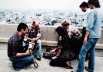 ▲  5‧18 당시 독일 기자단에게 통역하는 폴 코트 라이트(오른쪽 두번째)