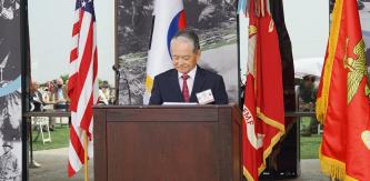 ▲ 박경재 총영사가  캠프 팬들턴에서 인천상륙작전 70주년 행사에서 기념사를 하고 있다.