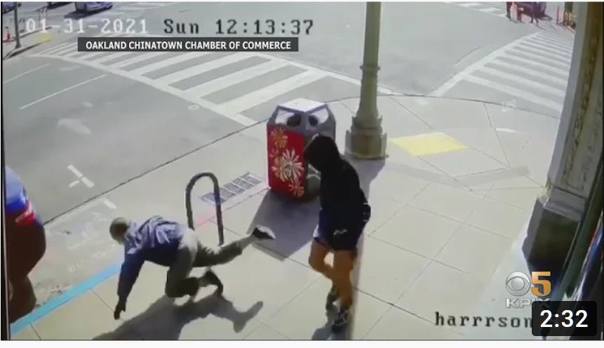 ▲ 샌프란시스코 거리에서 아시안을 상대로 '묻지마' 폭행이 CCTV에 찍혔다.