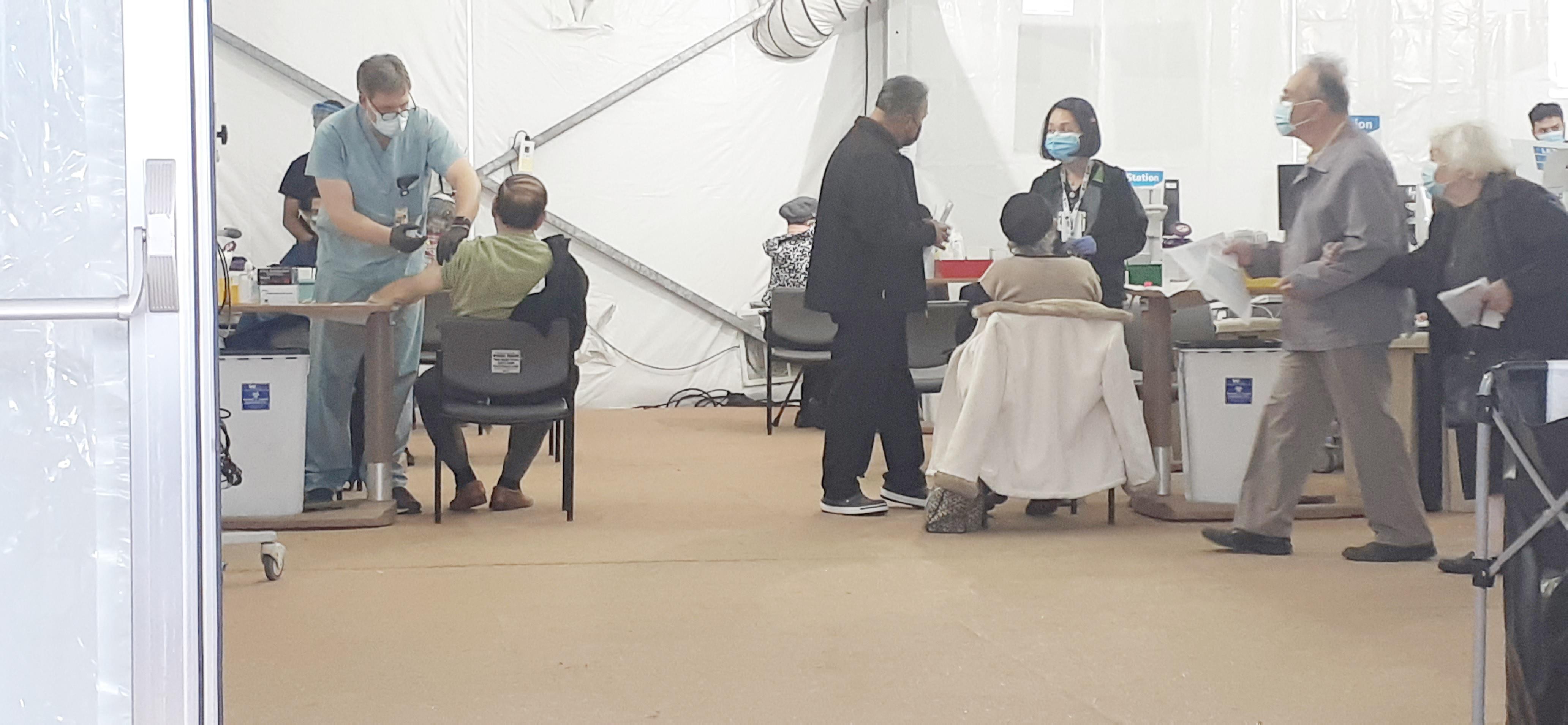 ▲ 카이저 병원은 백신접종 시설을 구비하고 1차와 2차 접종자에게 서비스하고 있다.