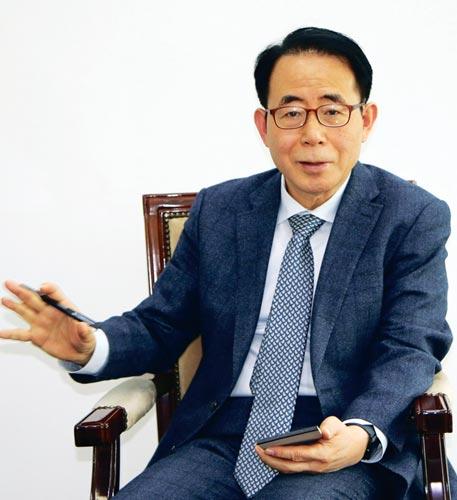 ▲ 김성곤 재외동포재단 이사장