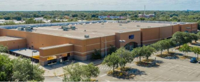 ▲ H마트가 플로리다주의 중심으로 불리는 올란도에 매입한 쇼핑몰은 대지가 2만 2천여평에 건평이 5100평이 넘는 2층 규모의 상가가 자리잡고 있다.