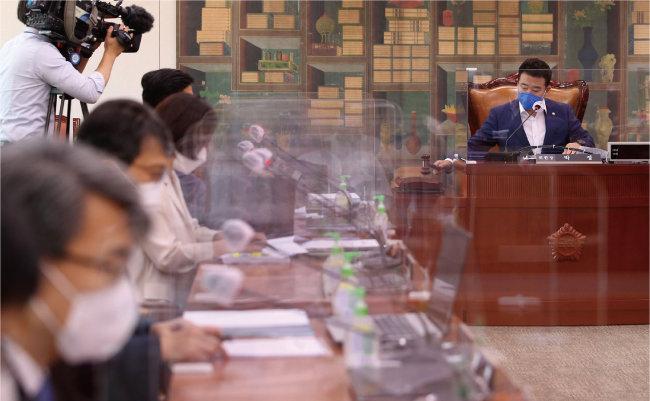 ▲ 국회에서 여권단독 소위에서 언론법 중재 개정안이 의견되고 있다.